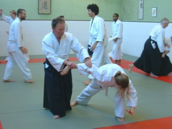 Peter Megann instructing in Feb 2004